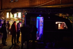 Hamburg, DEU, 30.11.2019:  Nachbarschaftliches Kulturcafe BOOTsWagen bei der Winterveranstaltung 8000K am Südpol an der Süderstrasse in den ehemaligen Gebäuden der Wasserwirtschaft  #Kulturcafe #BOOTsWagen #Südpol #8000k #BOOTHamburg #Ameisevinyl #einBOOTfürdieBille #jetztwirdsernst #mittemachen #WirHammSüd  | Hamburg, GER, 30.11.2019:  Neighborhood culture cafe BOOTsWagen at the winter event 8000K at the South Pole on the Suederstrasse in the former buildings of the water management  copyright: Till Reynold fuer Malzkornfoto, www.malzkornfoto.de