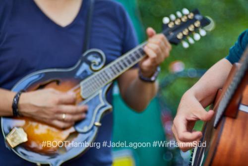 02.08.2019:  Nachbarschaftliches Kulturcafe BOOTsWagen feat. Folkpop-band Jade Lagoon