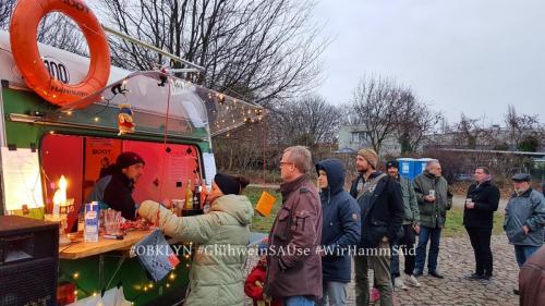 15.12.2018:  die erste GluehweinSAUse auf dem Loeschplatz im Osterbrookviertel